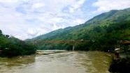 The omnipresent yellow bridges of Colombia, Río Cauca, Antioquia