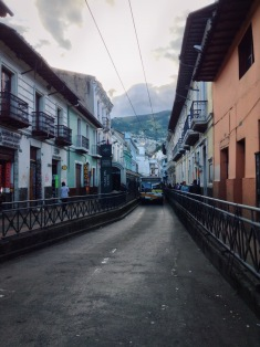 a los angeles bus found its way into Quito somehow.